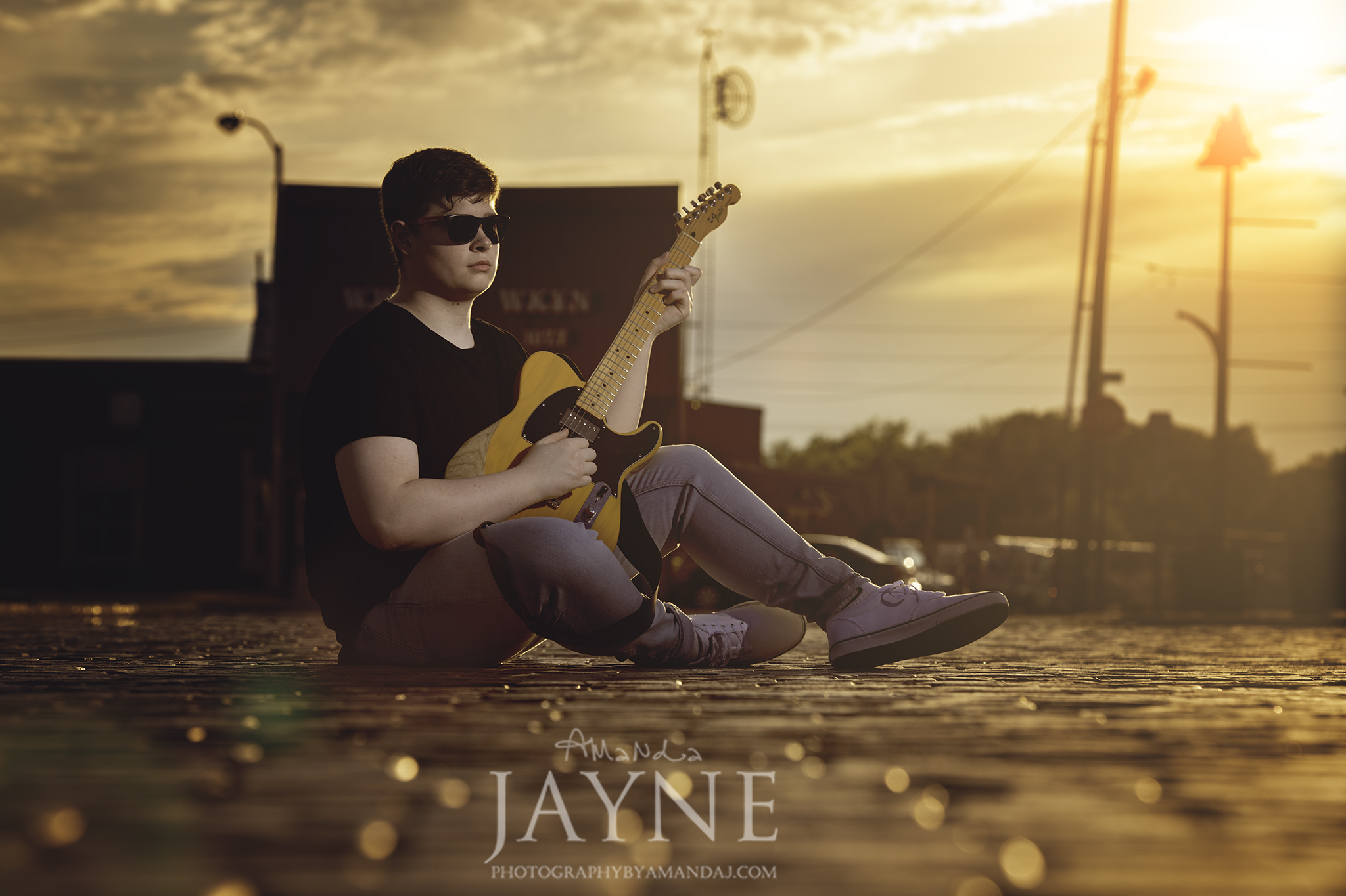 Downtown Winchester senior picture   Photography   Photography by Amanda Jayne   Lexington and Winchester Kentucky Senior Photographer